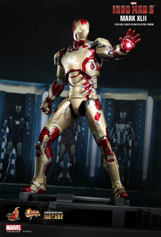 Vamers - Hot Toys Limited Edition Collectible - Iron Man 3 - Mark XLII