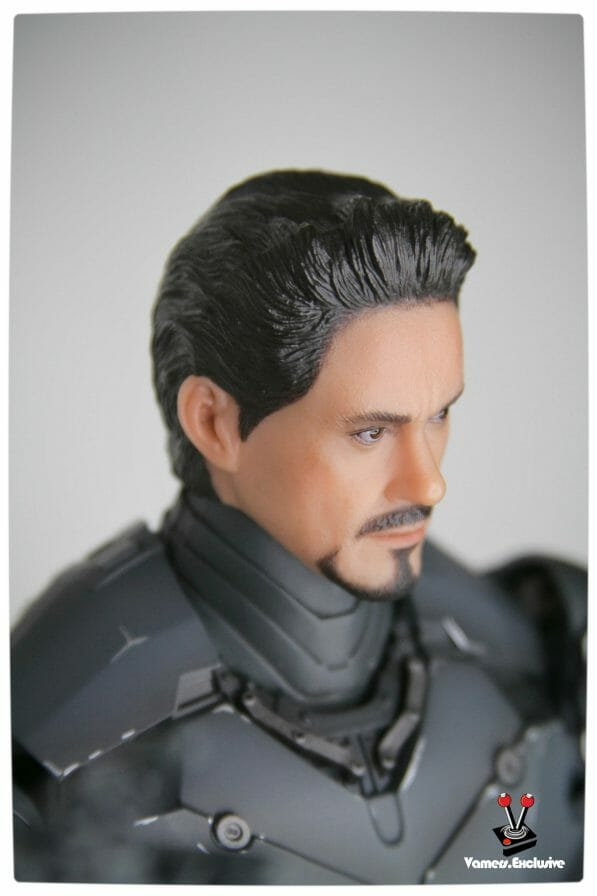 Vamers - Hot Toys - Limited Edition Collectible - Iron Man Mark III - SIlly Thing's TK Edition - MMS101 - Tony Stark - Right Side Portrait