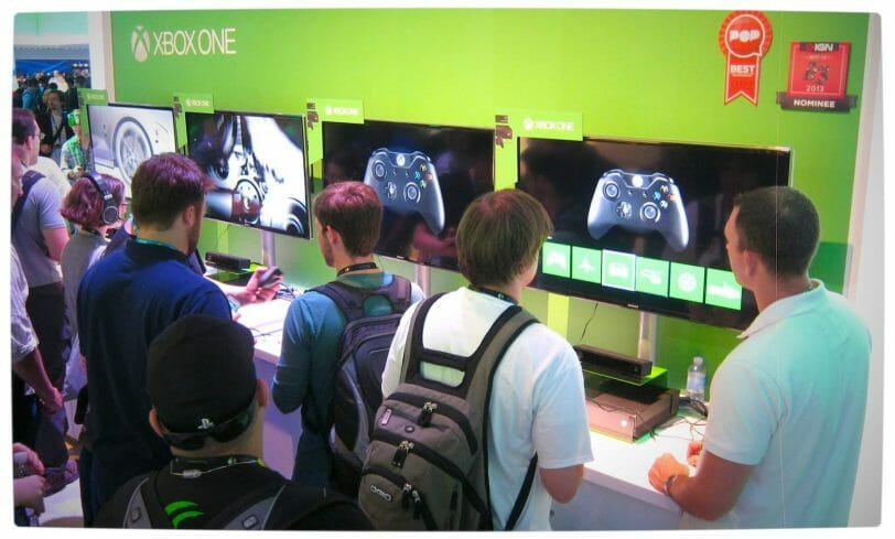 Vamers - FYI - Gaming - Gadgetology - Xbox One Controller Hands-On - Xbox One Controller Demo Stand E3 2013
