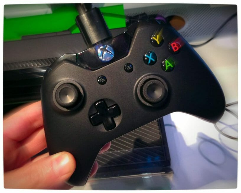 Vamers - FYI - Gaming - Gadgetology - Xbox One Controller Hands-On - Xbox One Controller in-hand at E3 2013