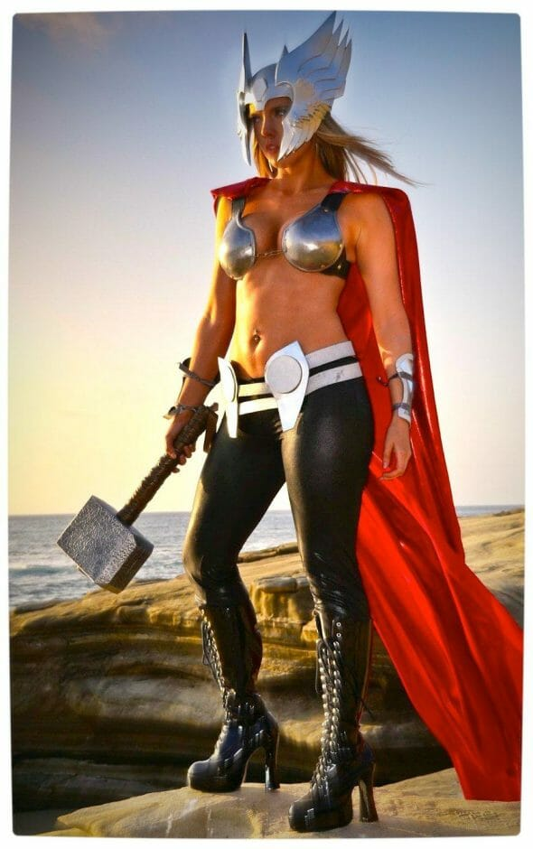 Vamers - Geekosphere - Thorsday - Toni Darling Gender-Bends Thorsday - Toni Darling as Thor 13